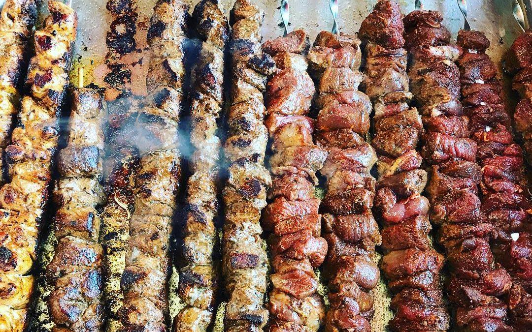 Hähnchen- und Lammkebab