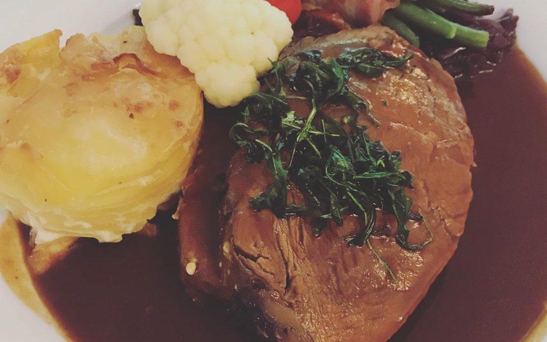 Rindfleisch mit Bohnen